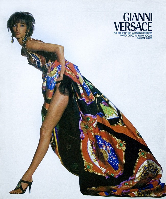 WE ♥ VERSACE- Naomi Campbell, Linda Evangelista & Christy Turlington for Versace Spring 1991 by Irving Penn. www.imageampilfied.com, Image Amplified2