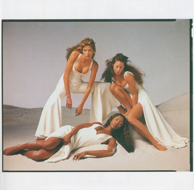 WE ♥ VERSACE- Naomi Campbell, Linda Evandelista, Kate Moss & more for Versace Spring 1993 by Richard Avedon. www.imageampilfied.com, Image Amplified4 (1)