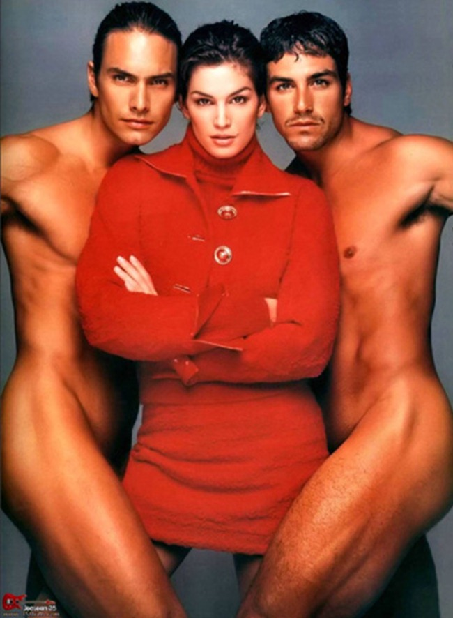 WE ♥ VERSACE- Claudia Schiffer & Cindy Crawford for Versace Fall 1994 by Richard Avedon. www.imageampilfied.com, Image Amplified7