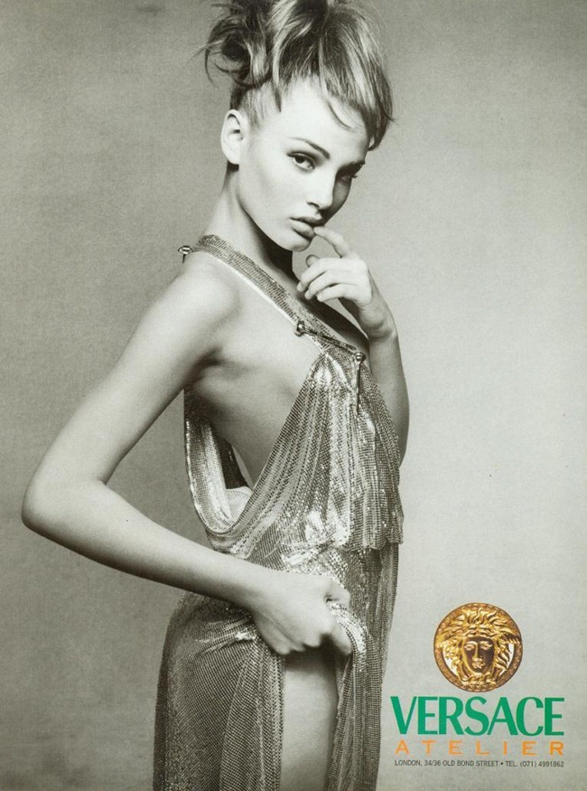 WE ♥ VERSACE- Claudia Schiffer & Cindy Crawford for Versace Fall 1994 by Richard Avedon. www.imageampilfied.com, Image Amplified8 (3)