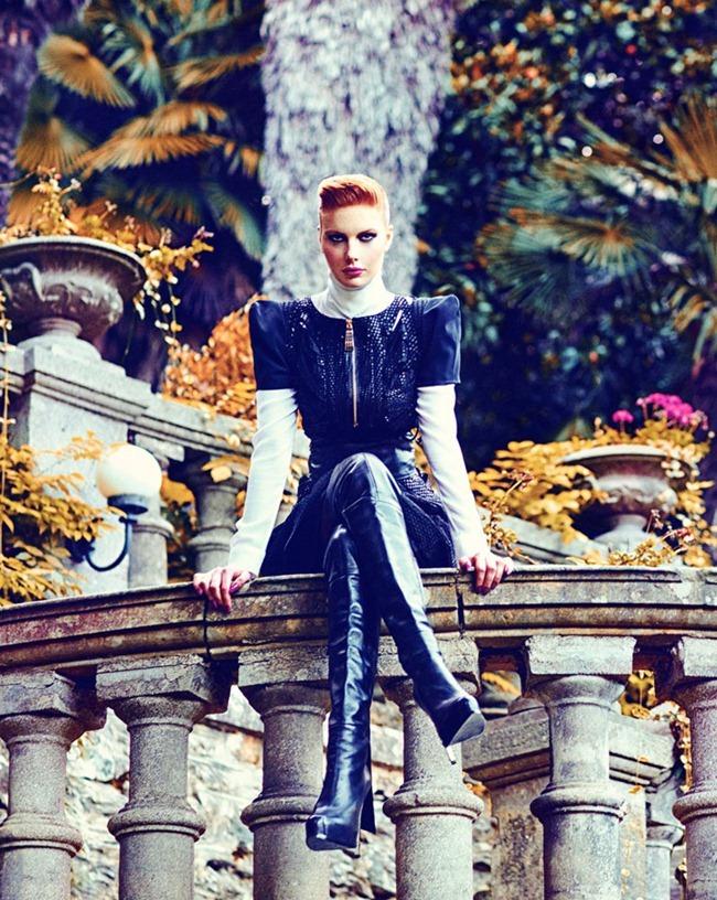 MARIE CLAIRE TURKEY Nina Reijnders & Victoria Lipatova by Koray Parlak. Hakan Öztürk. December 2011, www.imageamplified.com, Image Amplified (11)