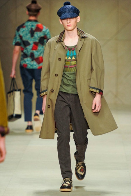 MILAN FASHION WEEK Burberry Prorsum Spring 2012. www.imageamplified.com, Image Amplified (2)