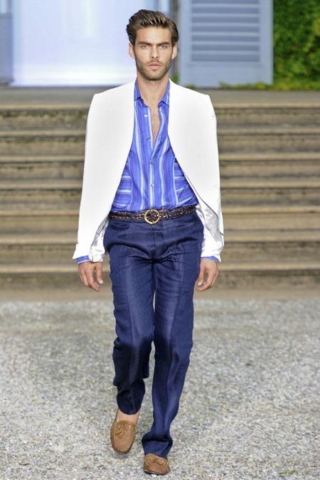 MILAN FASHION WEEK Roberto Cavalli Spring 2012. www.imageamplified.com, Image Amplified (35)