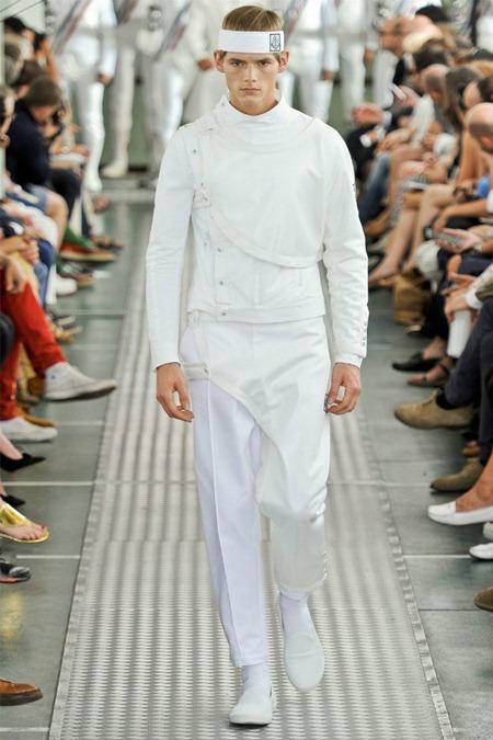 MILAN FASHION WEEK Moncler Gamme Bleu Spring 2012. www.imageamplified.com, Image Amplified (35)
