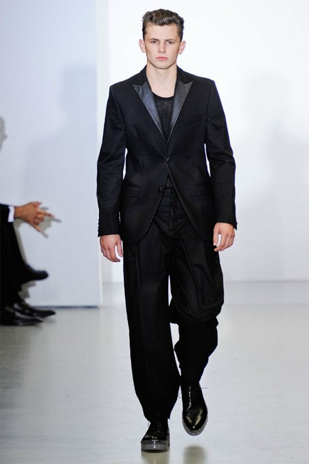 MILAN FASHION WEEK Calvin Klein Collection Spring 2012. www.imageamplified.com, Image Amplified (12)