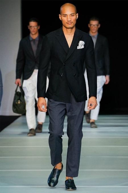 MILAN FASHION WEEK Giorgio Armani Spring 2012. www.imageamplified.com, Image Amplified (21)