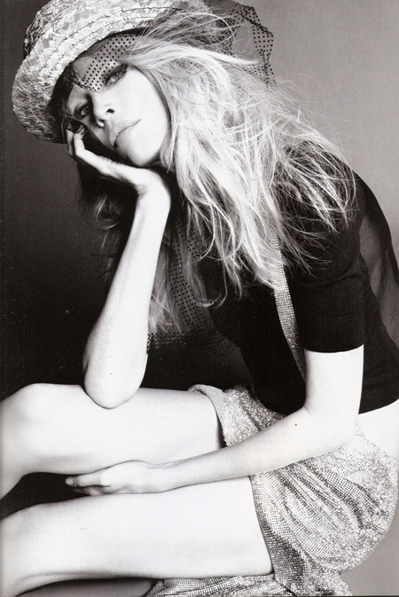 VOGUE SPAIN Claudia Schiffer in Claudia by Tom Munro. Belen Antolin, September 2011, www.imageamplified.com, Image Amplified (10)