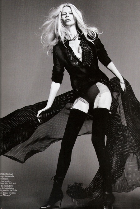 VOGUE SPAIN Claudia Schiffer in Claudia by Tom Munro. Belen Antolin, September 2011, www.imageamplified.com, Image Amplified (6)