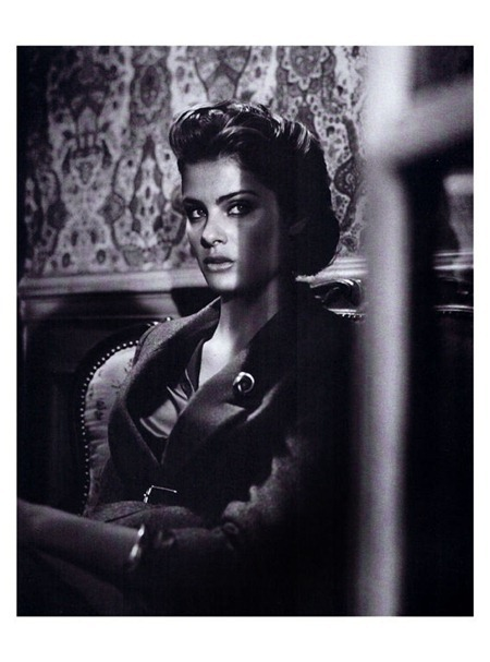 VOGUE ITALIA Isabeli fontana in Vogue Suggestions by Vincent Peters. Valentina Serra, September 2011, www.imageamplified.com, Image Amplified (17)