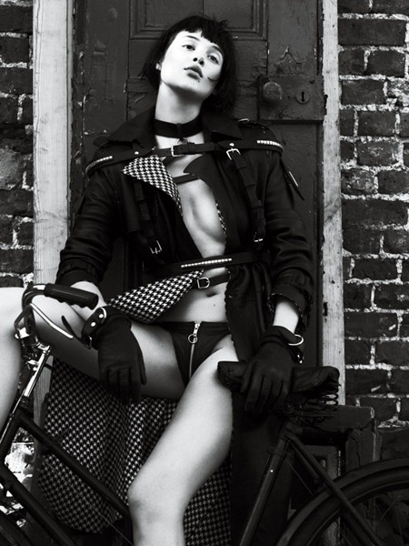 INTERVIEW MAGAZINE Candice Swanepoel, Anais Pouliot & Saskia de Brauw in Strict by Mert & Marcus. Karl Templer, September 2011, www.imageamplified.com, Image Amplified (13)