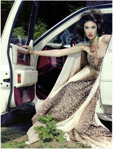 VOGUE ITALIA Jacquelyn Jablonski in Extravagant, Sophisticated Lady by Miles Aldridge. Alice Gentilucci, September 2011, www.imageamplified.com, Image Amplified (15)