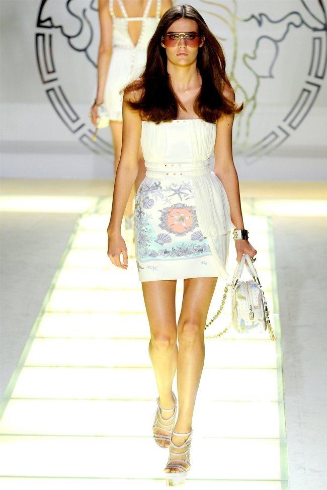 MILAN FASHION WEEK Versace Spring 2012. www.imageamplified.com, Image Amplified (6)