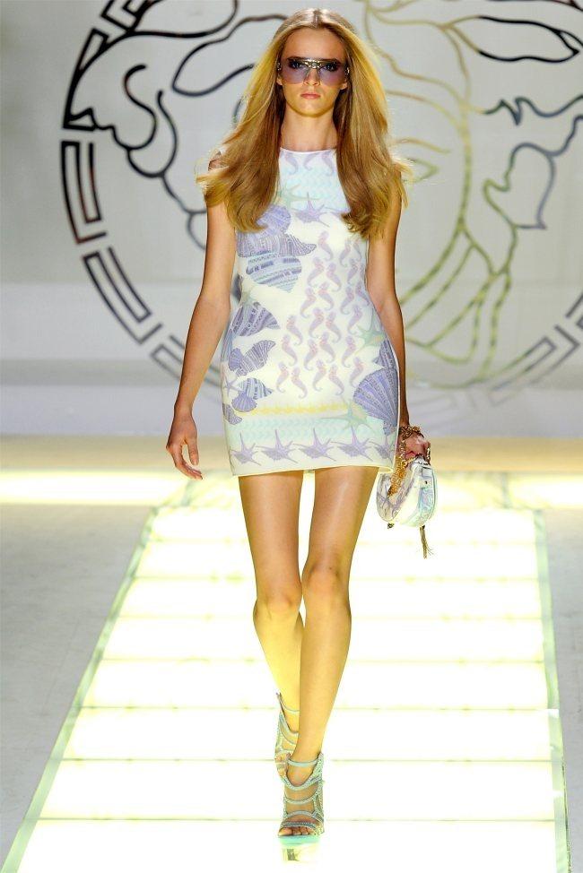 MILAN FASHION WEEK Versace Spring 2012. www.imageamplified.com, Image Amplified (16)