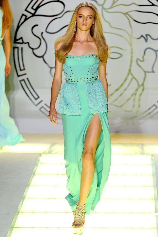 MILAN FASHION WEEK Versace Spring 2012. www.imageamplified.com, Image Amplified (26)