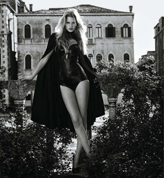 VOGUE JAPAN Lara Stone by Mario Sorrenti. November 2011, George Cortina, www.imageamplified.com, Image Amplified (1)