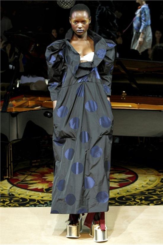 PARIS FASHION WEEK Vivienne Westwood Spring 2012. www.imageamplified.com, Image Amplified (47)