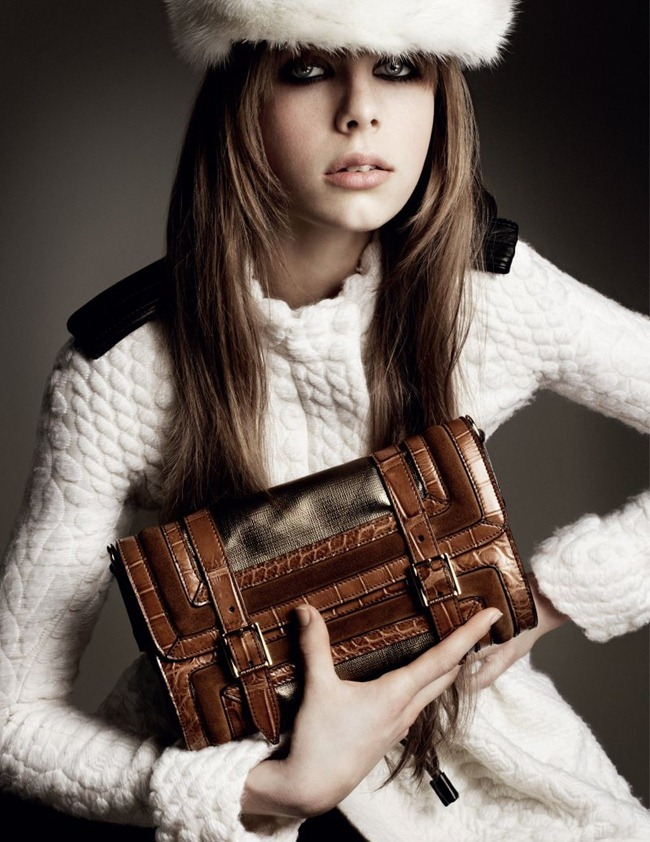 CAMPAIGN Jourdan Dunn, Cara Delevingne & Edie Campbell for Burberry Fall 2011 by Mario Testino. www.imageamplified.com, Image Amplified (5)