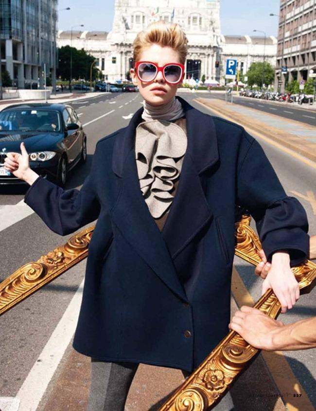 ELLE ITALIA Stella Maxwell in Power Suit by Marcelo Krasilcic. Alberto Zanoletti, October 2011, www.imageamplified.com, Image Amplified (2)