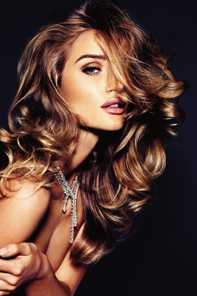 VOGUE GERMANY Rosie Huntington-Whiteley by Alexi Lubomirski. November 2011, www.imageamplified.com, Image Amplified (2)