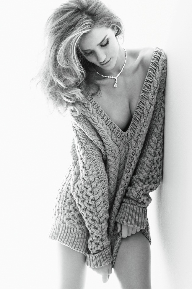 VOGUE GERMANY Rosie Huntington-Whiteley by Alexi Lubomirski. November 2011, www.imageamplified.com, Image Amplified (4)