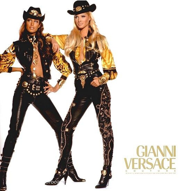WE ♥ VERSACE Linda Evangelista, Carla Bruni, Naomi Campbell & Claudia Schiffer for Versace 80s & 90s. www.imageamplified.com, Image Amplified (4)