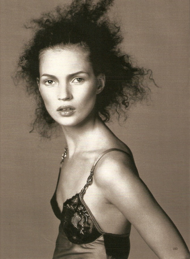 WE ♥ VERSACE- Kate Moss for Fall 1996. www.imageampilfied.com, Image Amplified1 (1)