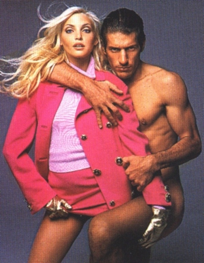 WE ♥ VERSACE- Claudia Schiffer & Cindy Crawford for Versace Fall 1994 by Richard Avedon. www.imageampilfied.com, Image Amplified7 (2)