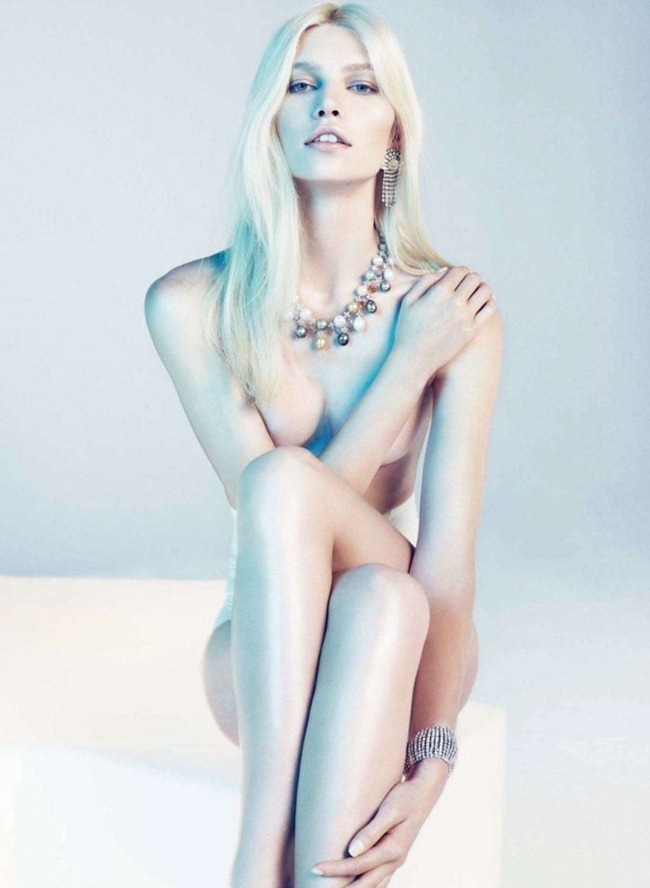 HARPER'S BAZAAR SPAIN- Aline Weber by Txema Yeste. Juan Cebrian, December 2011, www.imageamplified.com, Image Amplified8