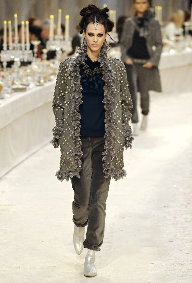 RUNWAY- Chanel Pre-Fall 2012 Collection in Bombay. www.imageamplified.com, Image Amplified7 (4)