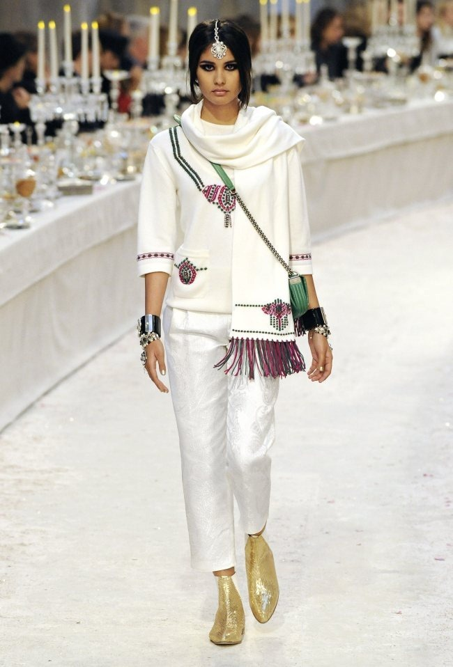 RUNWAY- Chanel Pre-Fall 2012 Collection in Bombay. www.imageamplified.com, Image Amplified8 (1)