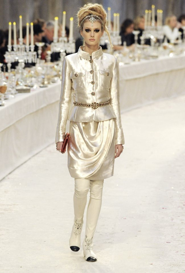 RUNWAY- Chanel Pre-Fall 2012 Collection in Bombay. www.imageamplified.com, Image Amplified4 (3)