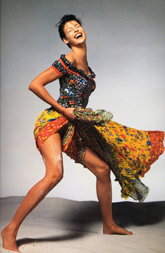 WE ♥ VERSACE- Naomi Campbell, Linda Evandelista, Kate Moss & more for Versace Spring 1993 by Richard Avedon. www.imageampilfied.com, Image Amplified2