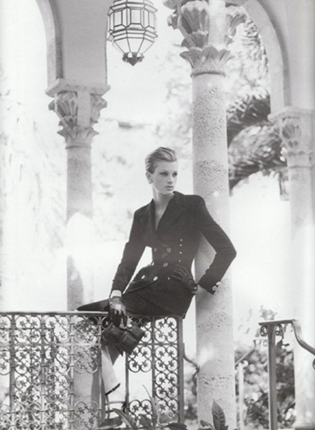 WE ♥ VERSACE- Kristen McMenamy for Versace Spring 1995 by Richard Avedon. www.imageampilfied.com, Image Amplified9