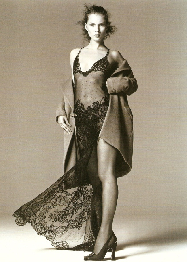 WE ♥ VERSACE- Kate Moss for Fall 1996. www.imageampilfied.com, Image Amplified4 (2)