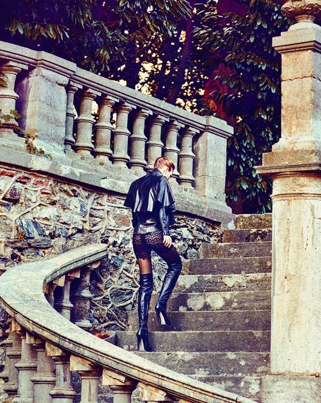 MARIE CLAIRE TURKEY Nina Reijnders & Victoria Lipatova by Koray Parlak. Hakan Öztürk. December 2011, www.imageamplified.com, Image Amplified (13)