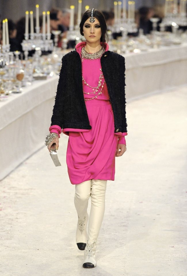 RUNWAY- Chanel Pre-Fall 2012 Collection in Bombay. www.imageamplified.com, Image Amplified6 (2)