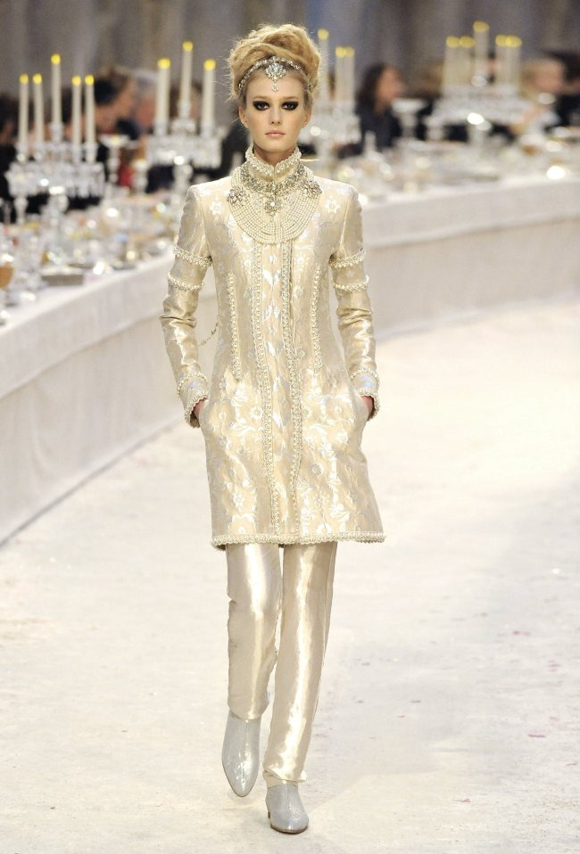 RUNWAY- Chanel Pre-Fall 2012 Collection in Bombay. www.imageamplified.com, Image Amplified9 (4)
