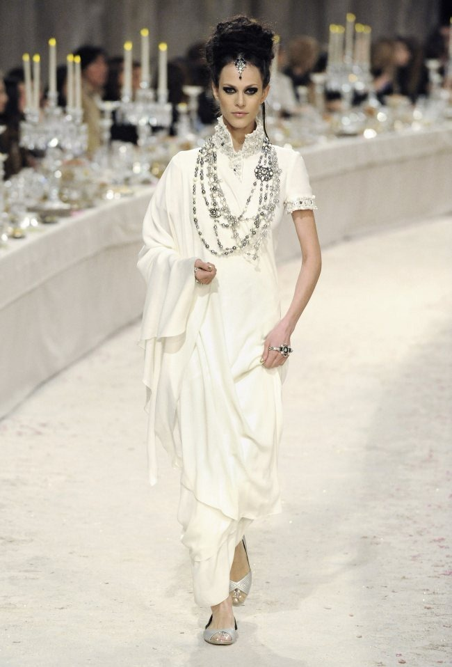 RUNWAY- Chanel Pre-Fall 2012 Collection in Bombay. www.imageamplified.com, Image Amplified7 (3)