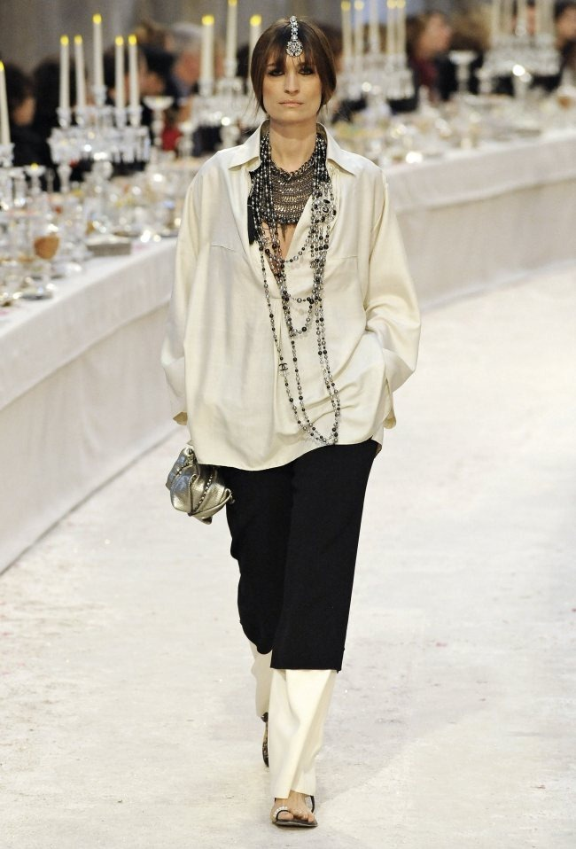 RUNWAY- Chanel Pre-Fall 2012 Collection in Bombay. www.imageamplified.com, Image Amplified4 (4)