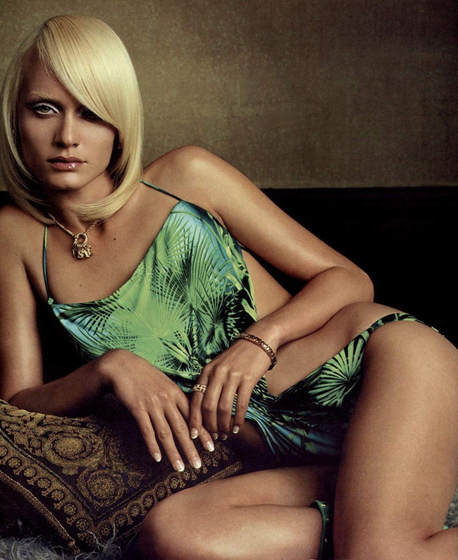WE ♥ VERSACE- Amber Valletta for Versace Spring 2000 by Steven Meisel. www.imageamplified.com, Image Amplified0 (1)