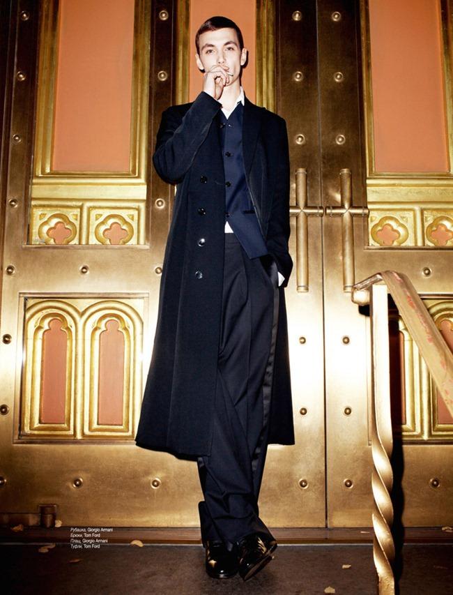 L'OFFICIEL HOMMES UKRAINE- Yuri Pleskun in When I Shine by Jens Ingvarsson. Katie Burnett, December 2011, www.imageamplified.com, Image Amplified2 (1)