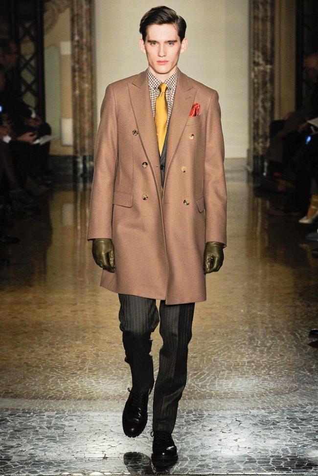 MILAN FASHION WEEK- Moschino Men's Fall 2012. www.imageamplified.com, Image Amplified2 (1)