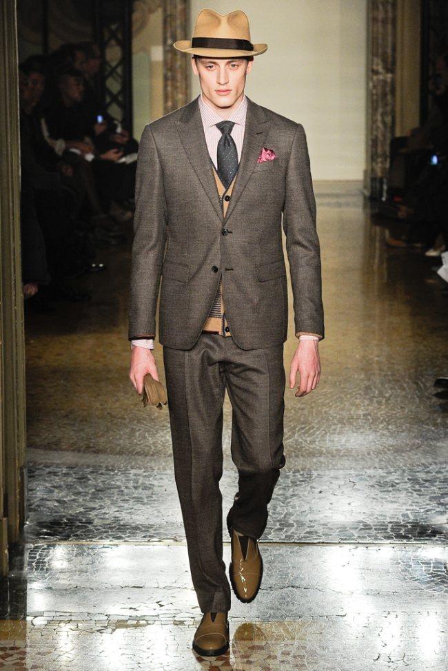 MILAN FASHION WEEK- Moschino Men's Fall 2012. www.imageamplified.com, Image Amplified8 (1)