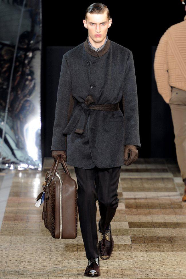 PARIS FASHION WEEK- Louis Vuitton Men's Fall 2012. www.imageamplified.com, Image Amplified9 (1)