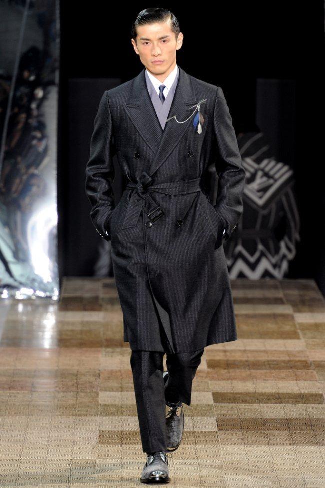 PARIS FASHION WEEK- Louis Vuitton Men's Fall 2012. www.imageamplified.com, Image Amplified1 (2)
