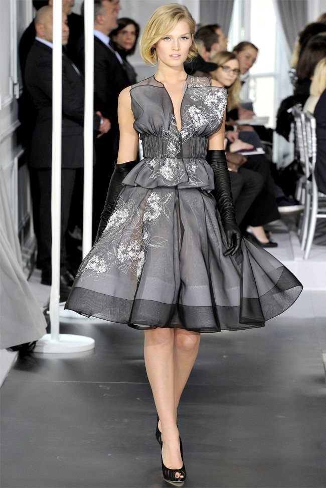 PARIS HAUTE COUTURE Dior Spring 2012 Couture. www.imageamplified.com, Image Amplified (33)