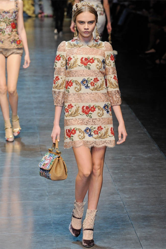 MILAN FASHION WEEK Dolce &  Gabbana Fall 2012. www.imageamplified.com, Image Amplified (21)