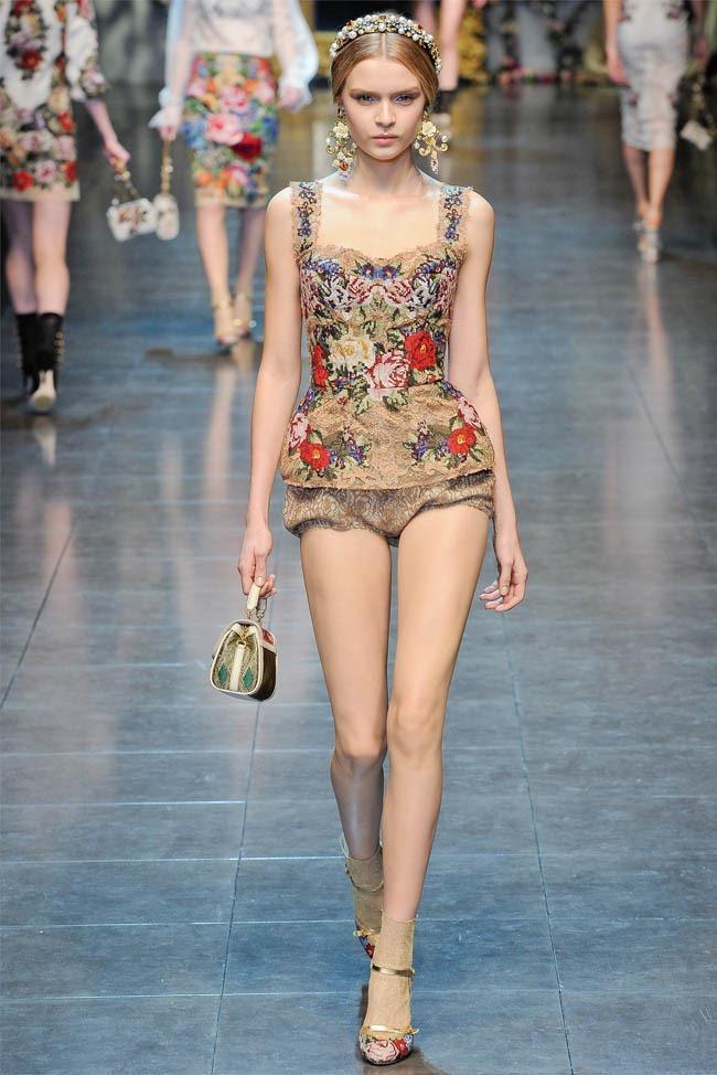 MILAN FASHION WEEK Dolce &  Gabbana Fall 2012. www.imageamplified.com, Image Amplified (22)