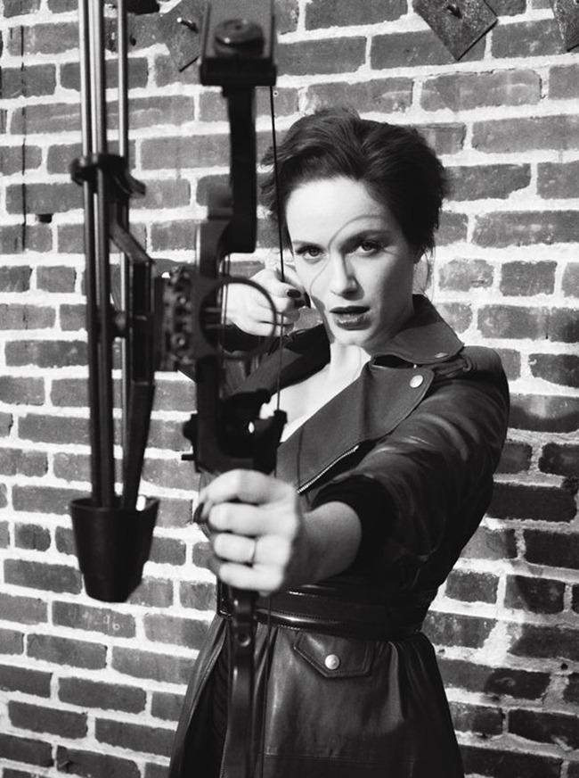 V MAGAZINE- Christina Hendricks in The Big Shot by Cedric Buchet. Clare Richardson, Spring 2012, www.imageamplified.com, Image Amplified6