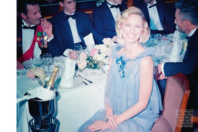 VOGUE ITALIA Karolina Kurkova in Royal Couture by Miles Aldridge. Fabienne Eisenstein, March 2012, www.imageamplified.com, Image Amplified (19)